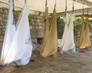 ANTIGRAVITY YOGA HOLIDAY STAGE SANREMO